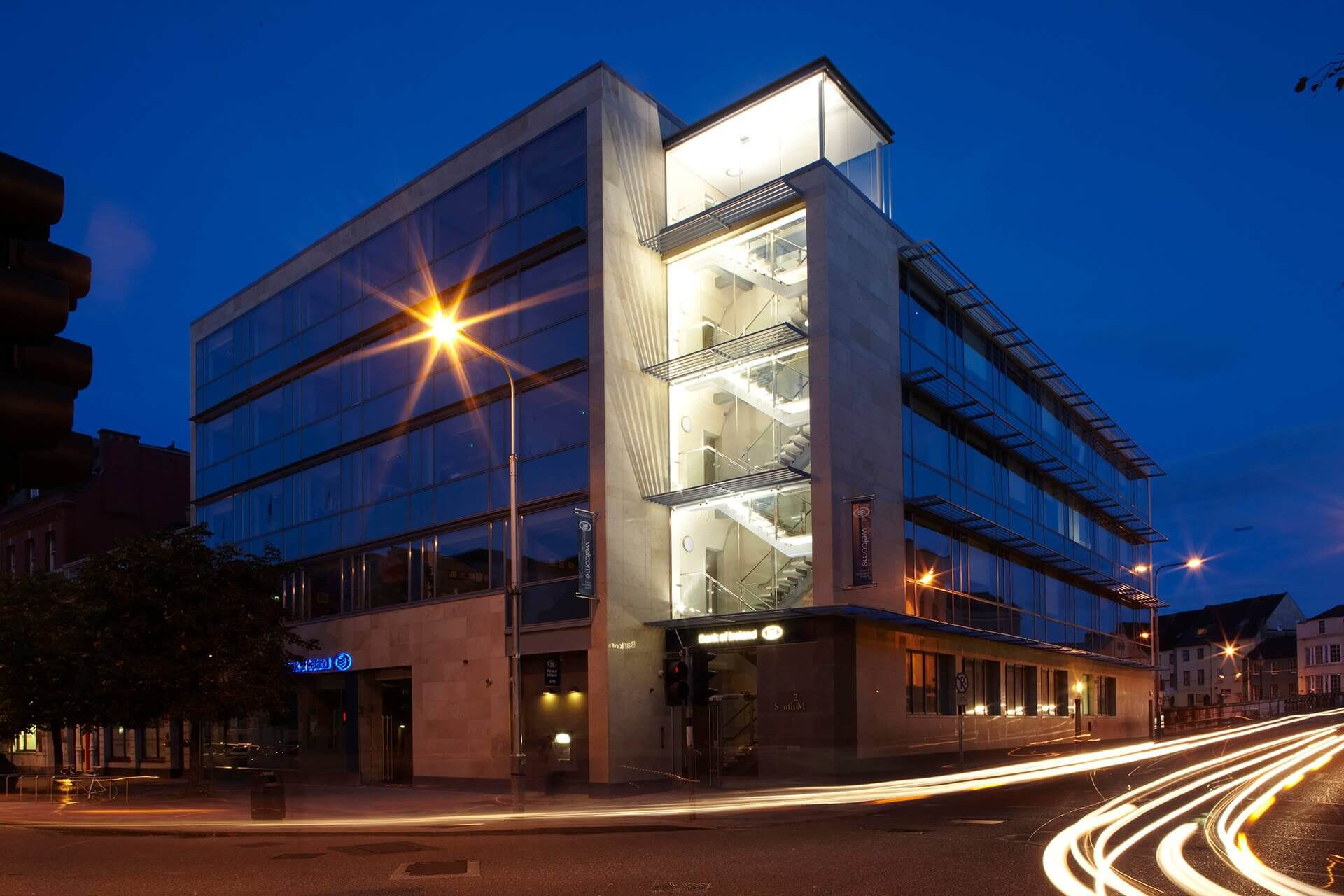 Mixed Use Retail Cjfa Architecture Bank Of Ireland South Mall Cork 1
